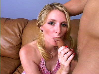 Cock Gobbling Blonde mother i d like to fuck