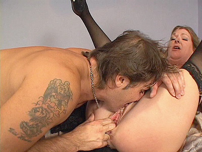 MILF Pussy Eaten Out