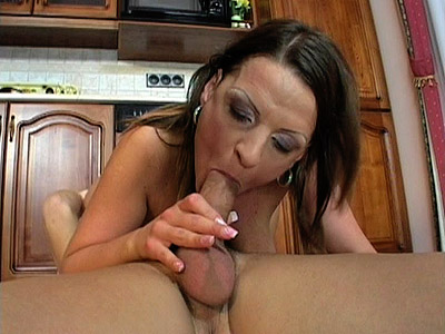 Sexy MILF Ann Enjoys 69